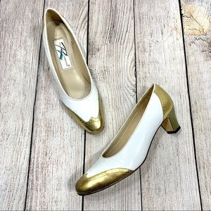 Vintage Ros Hammerson White Gold Wing Tip Heels